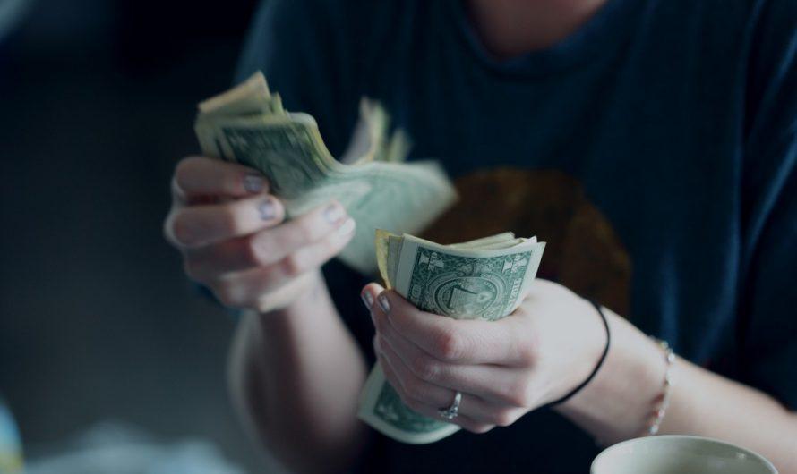 Poplatky u půjček si pohlídejte do nejmenšího detailu